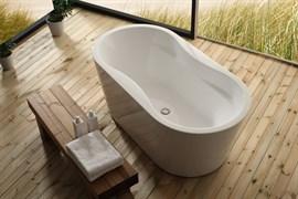 BELBAGNO BB407 Ванна акриловая отельностоящая овальная в комплекте со сливом-переливом цвета хром